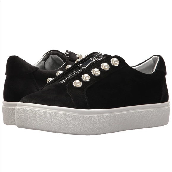 Black Lynn Sneakers With Pearls S65